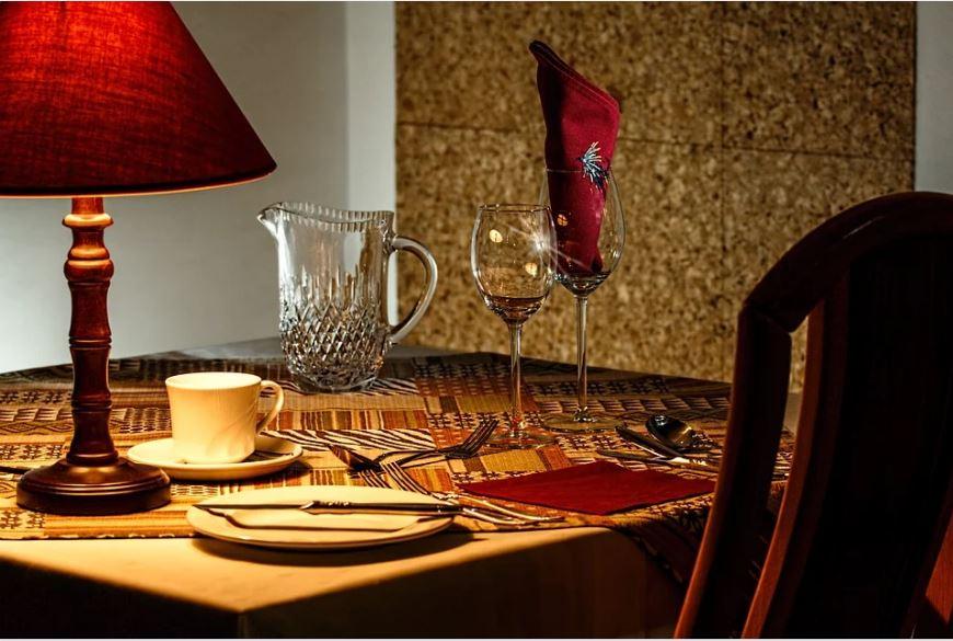 Comment organiser un diner romantique?