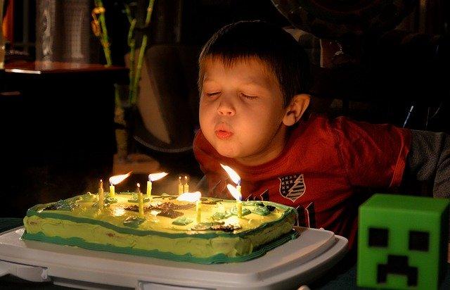 Nos conseils pour organiser une fête d'anniversaire simple et amusante