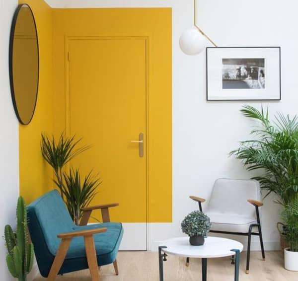 décoration de porte avec de la peinture